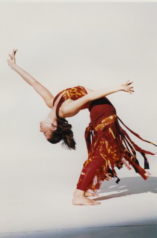 2001-ASPHALT-Cynthia Svigals-Photo by Arthur Elgort