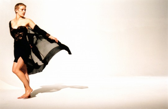 2006-FLEETING THOUGHTS-Lisa Niedermeyer-Photo by Arthur Elgort